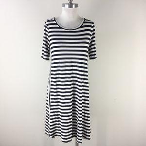 Ann Taylor LOFT M Navy Blue white stripe Knit